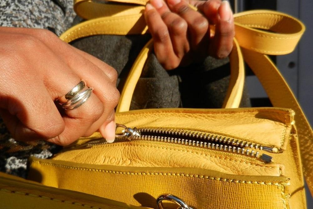 sac jaune détail ouverture