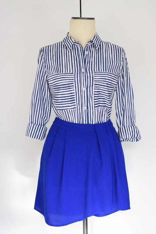 jupe bleue chemise rayée tenue de bureau été