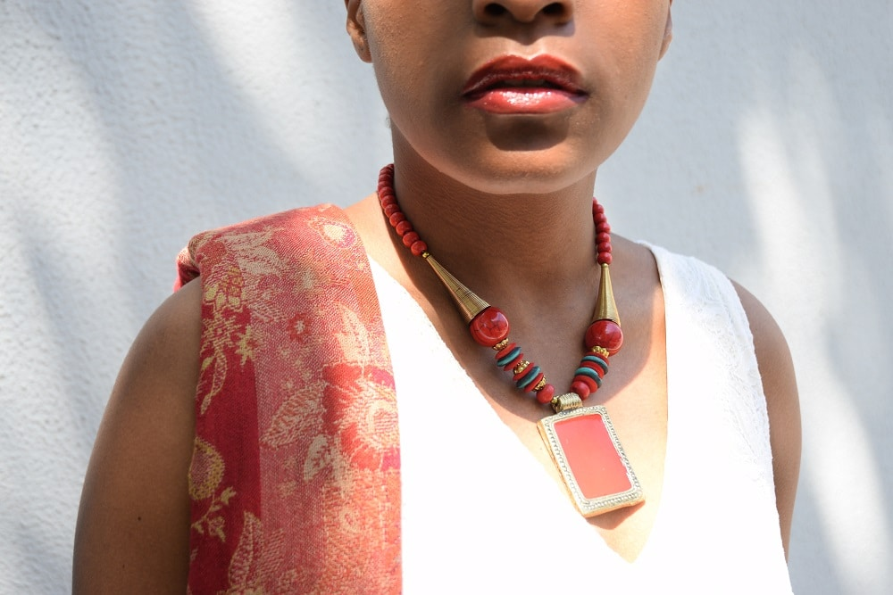 red_lips-statement-necklace