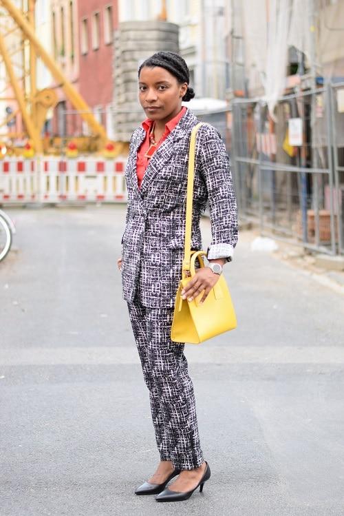 tailleur-pantalon-imprimé-graphique-color-blocking-chantier