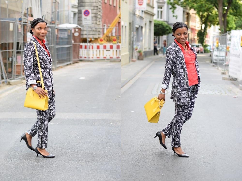 tailleur-pantalon-imprimé-graphique-color-blocking-ferme-ouvert