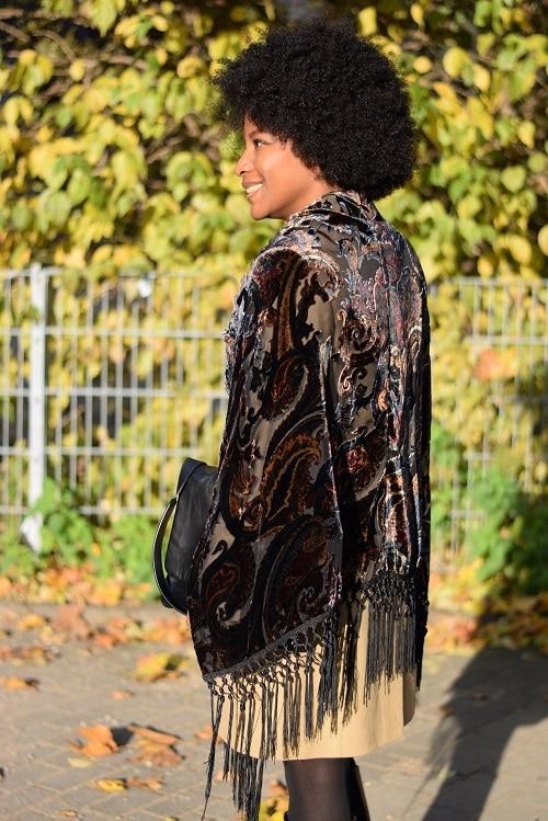 Porter Un Poncho Au Bureau Deadlines Dresses