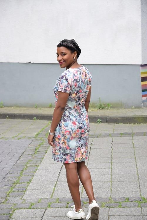 #filleenfleurs robe a fleurs de dos
