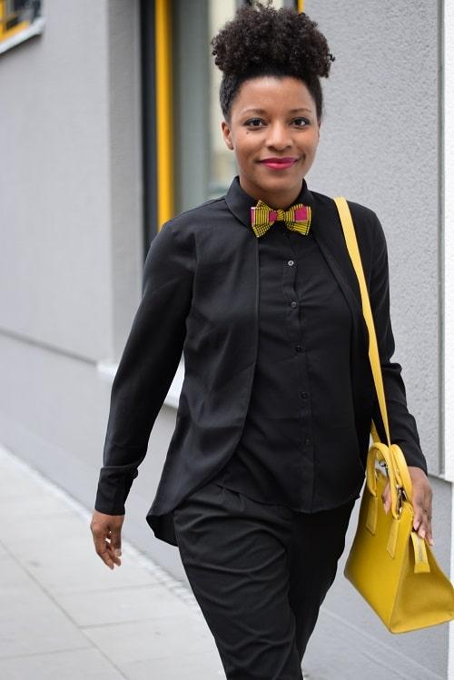 Porter un noeud papillon en wax au bureau deadlines dresses - Comment porter une chemise femme ...