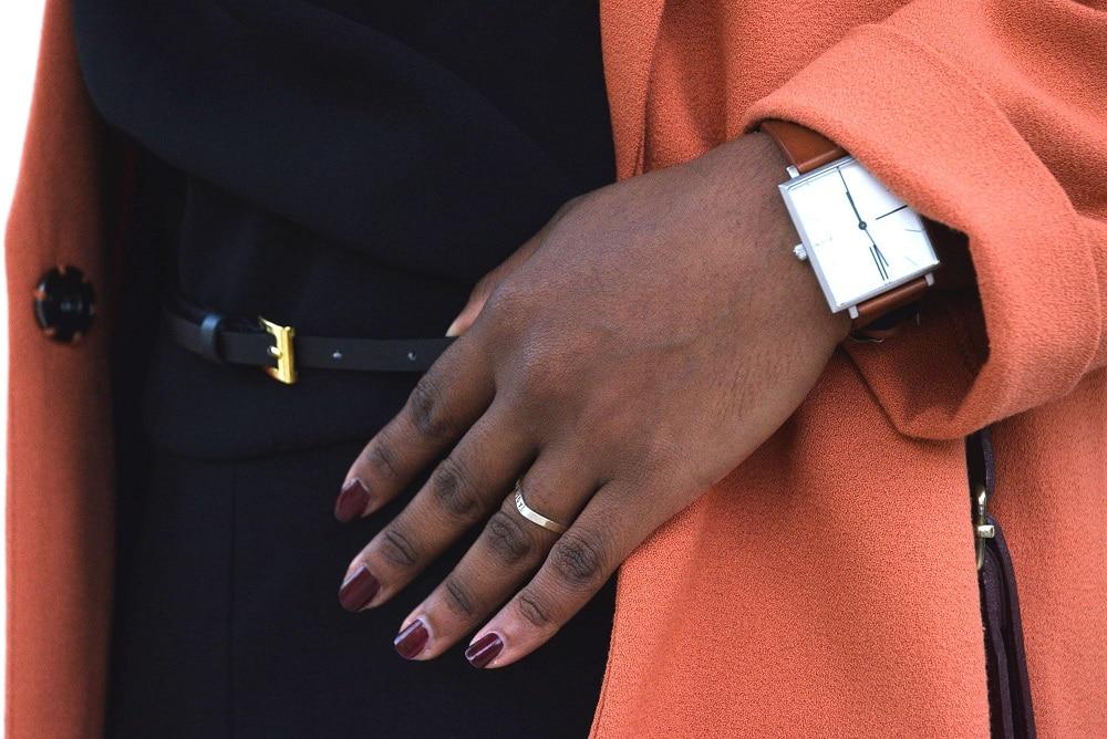 details-manteau-orange-vernis-bordeaux-madness-chanel
