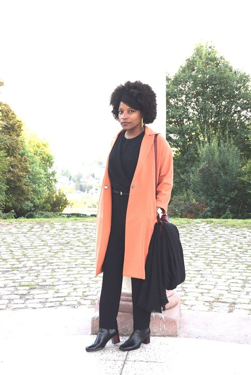 portrait-combinaison-jumpsuit-overall-manteau-orange