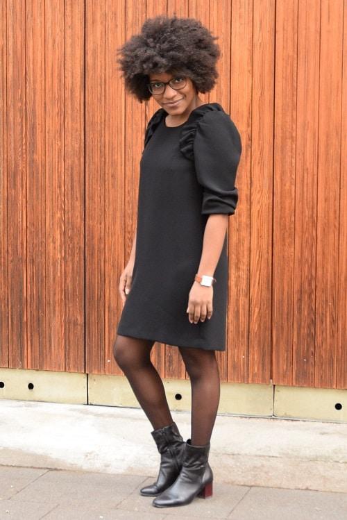 petite robe noire pose rebelle