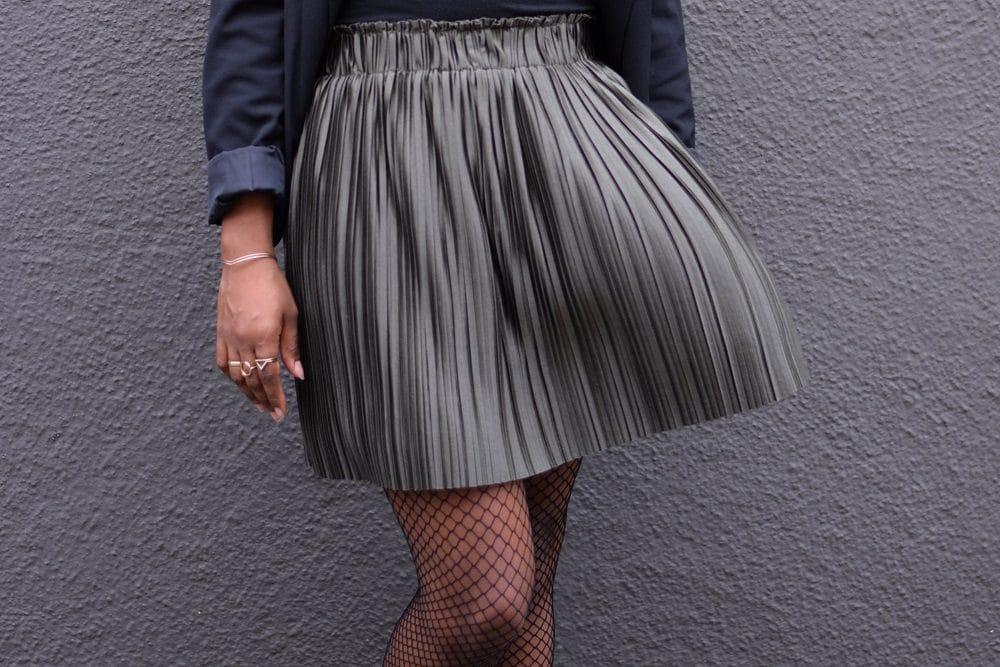 jupe plissée courte cloche