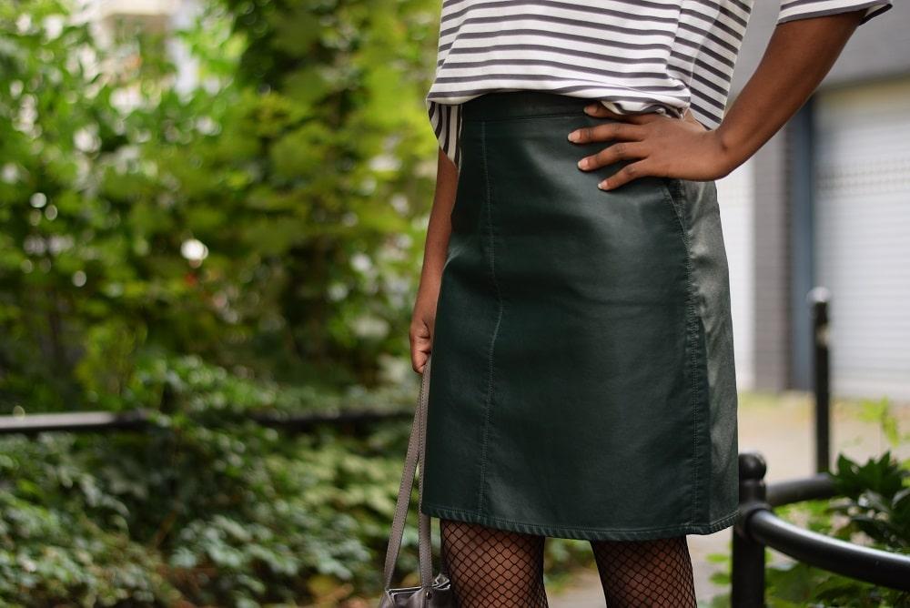 jupe droite en cuir taille