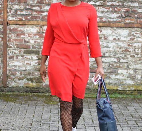 robe rouge au bureau sac triptikh funambule