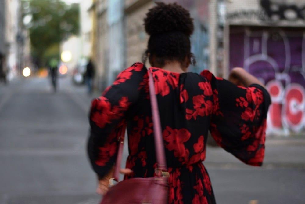 robe grandes fleurs rouges
