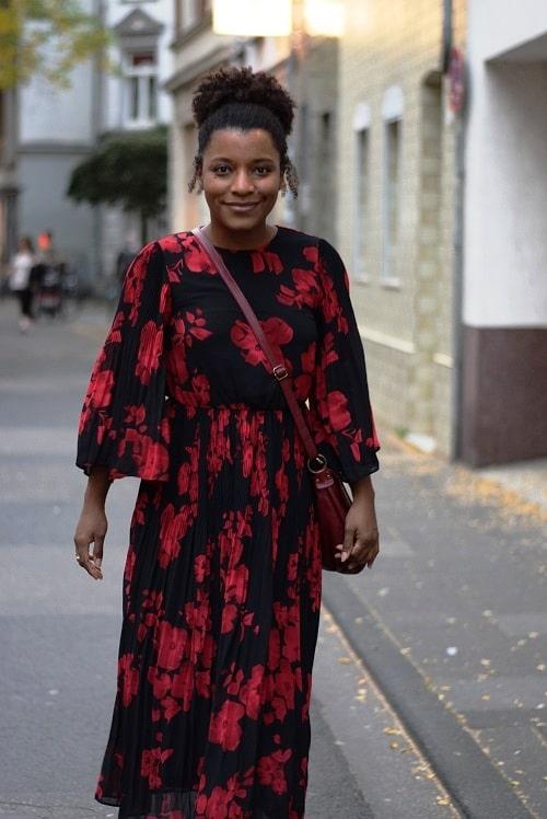 robe rouge fluide grosses fleurs
