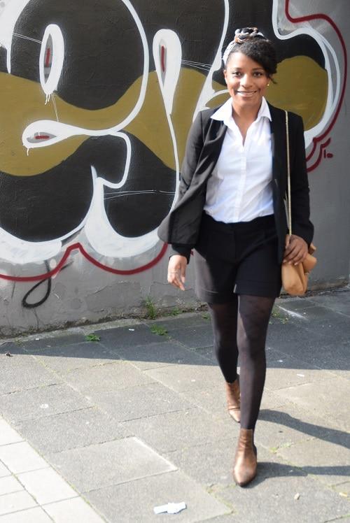 foulard en wax tailleur short tenue de bureau