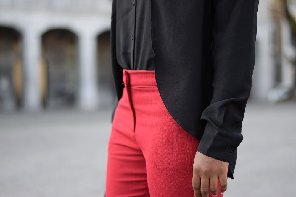 pantalon cigarette rouge ceinture