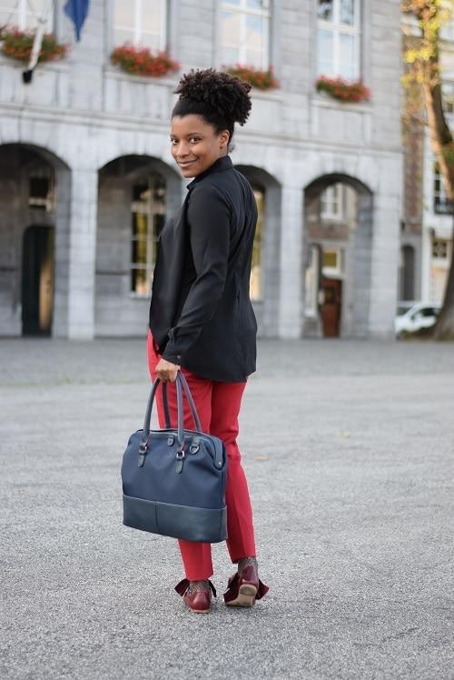 pantalon cigarette rouge sac triptikh funambule de dos