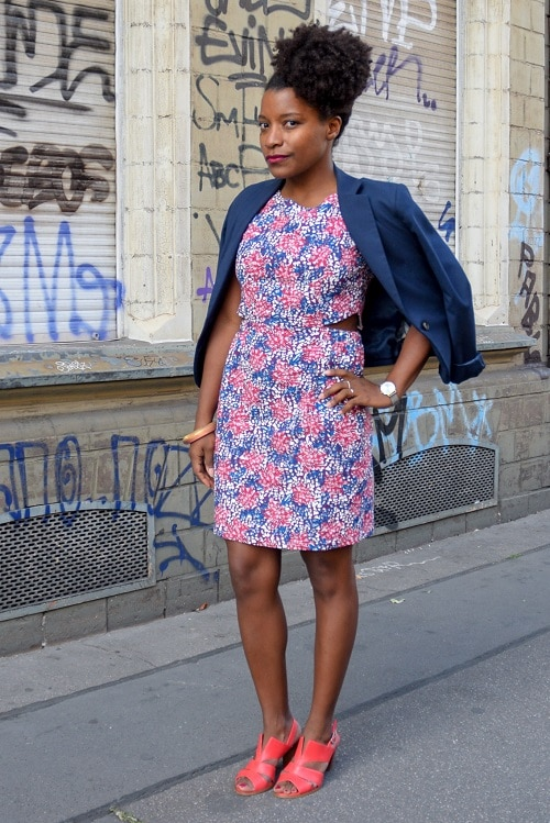 tenue de bureau avec une robe imprimée